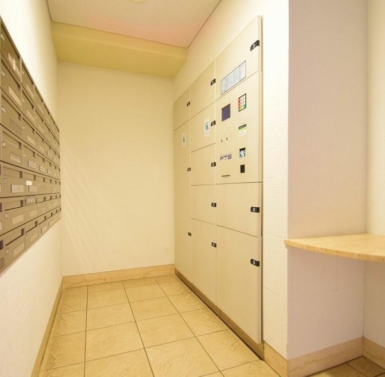 便利な宅配ボックスが完備されています