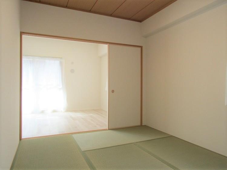 和室はリビングと繋がっています。