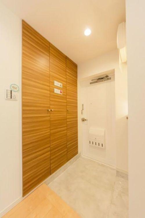 「玄関」充分な収納スペースを確保