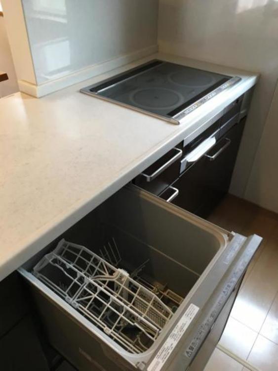 後片付けラクラクの食洗機付きです!