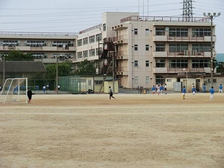 新座市立第四中学校 1100m