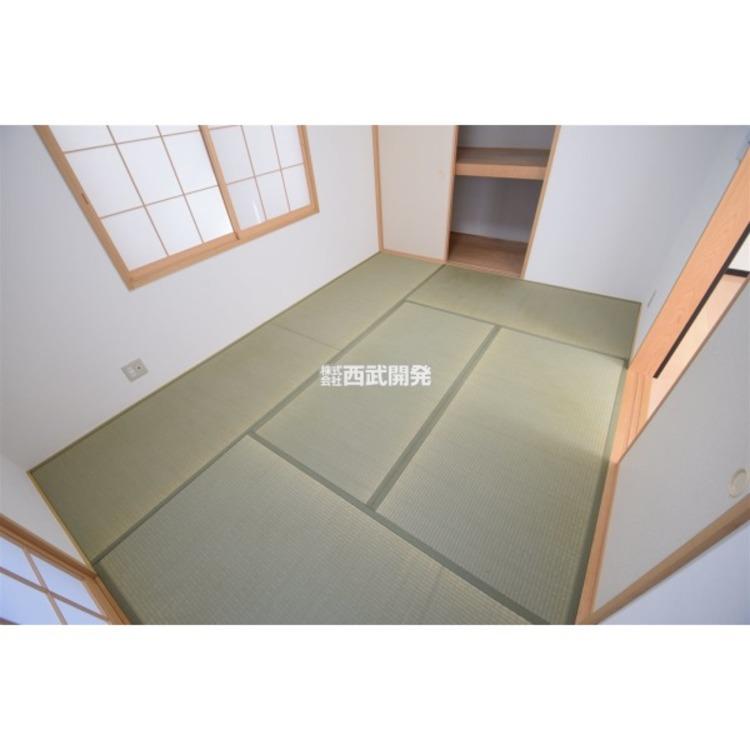 LDKと続いている和室は人気ポイントのひとつです。ちょっと昼寝をしたり、お客様をお通ししたり、リビングとあわせて大空間で利用したり、使い勝手がひろがりますね。