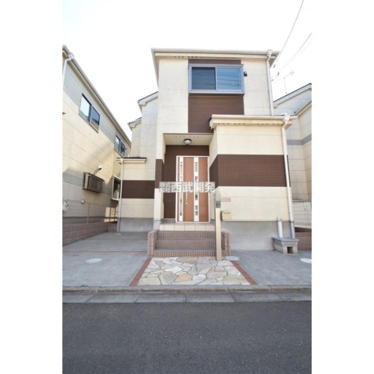 小平天神町よりリフォーム再生住宅のご紹介です。4LDK、築8年、駐車場スペース1台で閑静な住宅街にございます。
