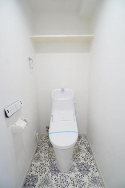 節水効果があり、お手入れがしやすいタンク一体型トイレを採用!