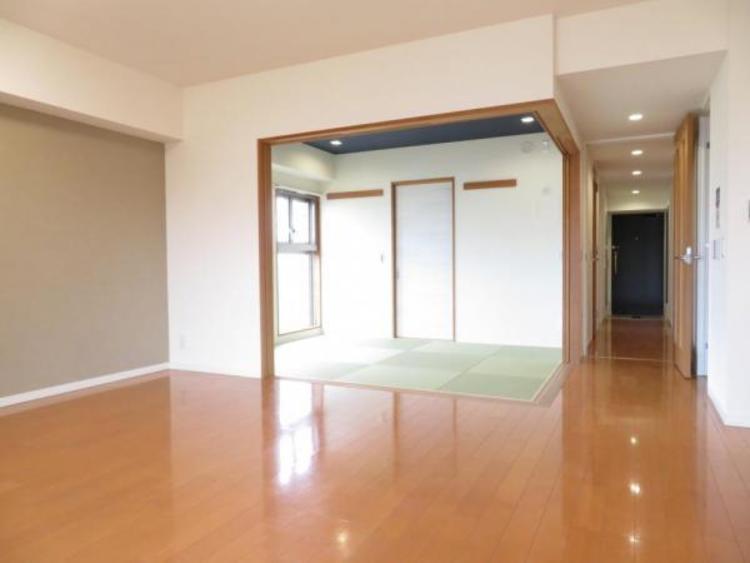 角部屋なので奥の和室も明るく通風良好です。