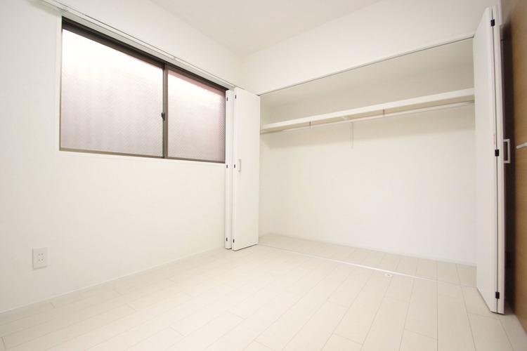 大容量の収納でお大切な衣類もきれいに整頓できます