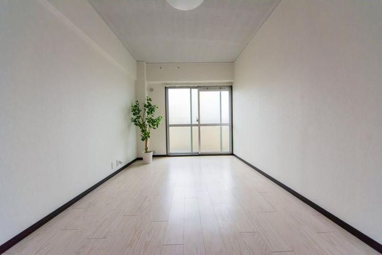 「洋室」広々とした居室