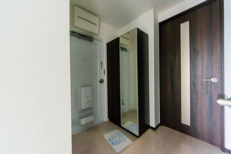 「玄関」全身ミラーもあり、お出かけの際に身だしなみをチェックできます。