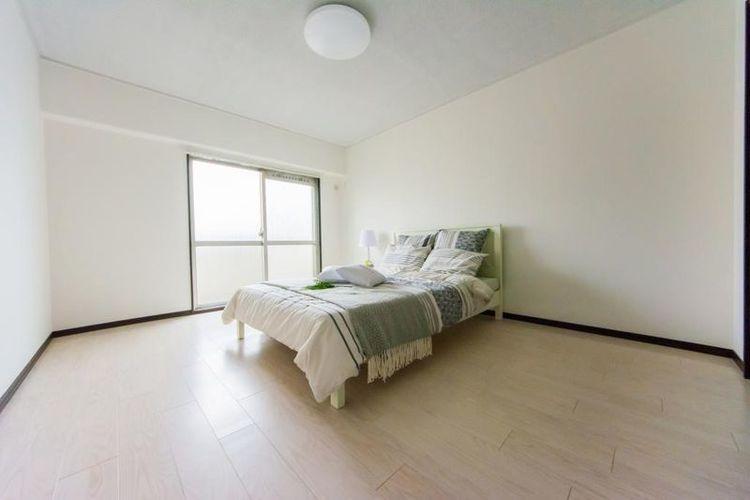 「洋室」ベッドを置いてもゆとりのある広さです。