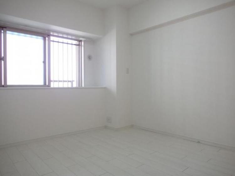 〇白を基調とした洋室は約6.2帖です!
