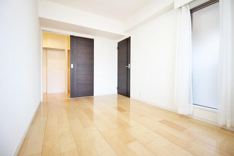 6帖ほどのお部屋は使い勝手がよく、自分好みのインテリアでコーディネイトも○