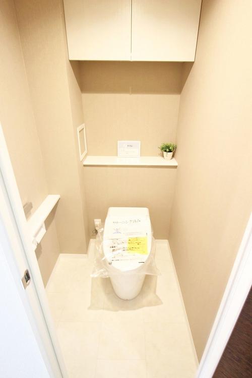 上部に収納スペースがあり、トイレ回りも綺麗に魅せれるのは嬉しい設計ですね