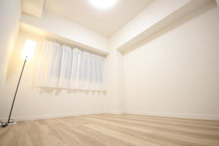 独立性を高めたお部屋。たっぷりの収納も配備しており、スッキリとした居住空間に