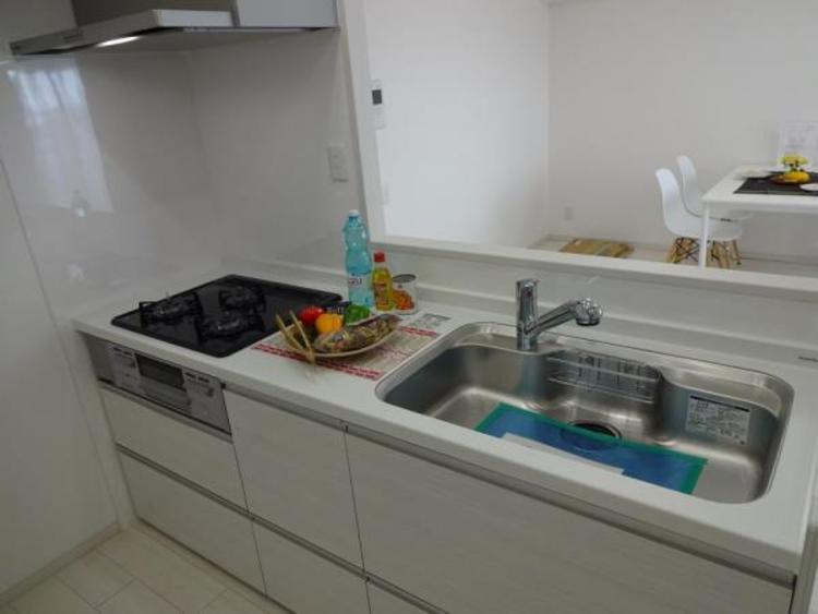 〇奥様憧れのシステムキッチン!収納も多くゴチャゴチャしがちなキッチンもスッキリ片付きます!