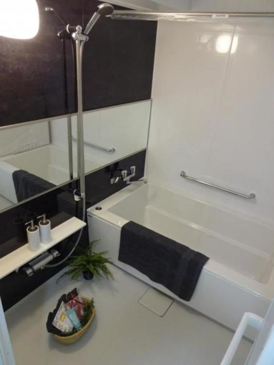 〇リラックス空間の浴室。広さがありお子様と入っても圧迫感がありません!