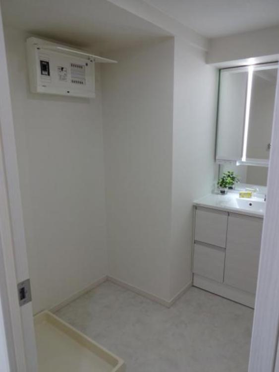 〇清潔感ある広々洗面スペースです!