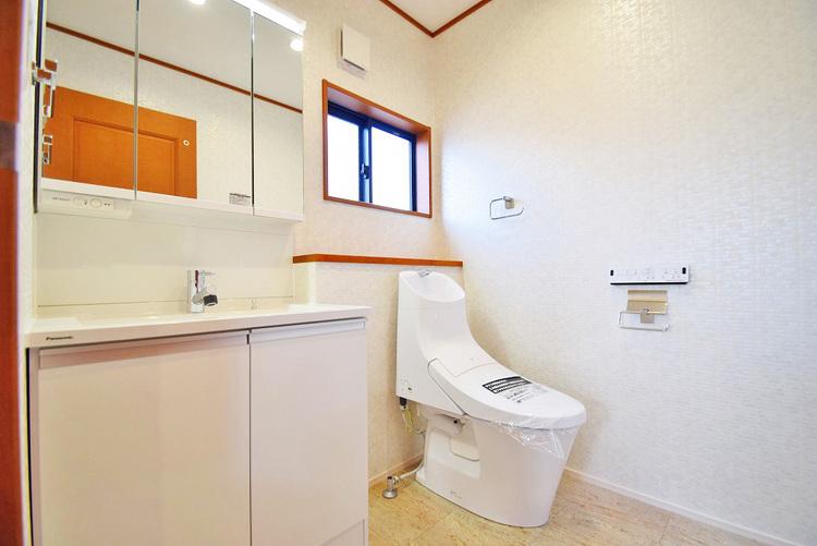 2階にも洗面台を設けることで、朝の忙しい身支度も手早くできますね