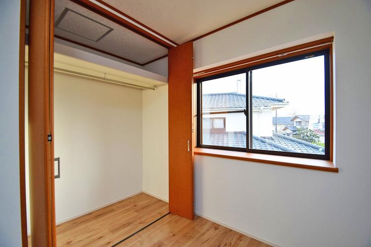 洋室約6.0帖収納スペース