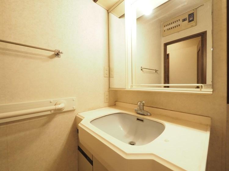 各階に洗面スペースがあります。忙しい朝に役立ちます。