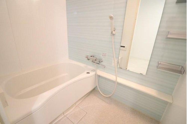 浴室は既存を活かし、コーティング施工のみです。「活かせるものは活かす」はリフォームの醍醐味です。