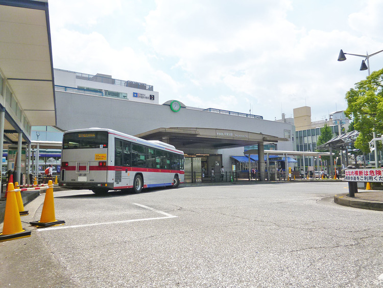 青葉台駅 距離950m