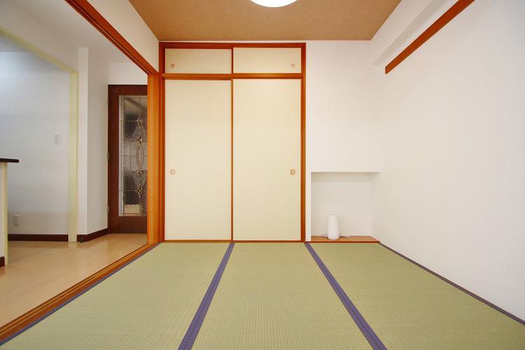 床の間付きの情緒漂う和室