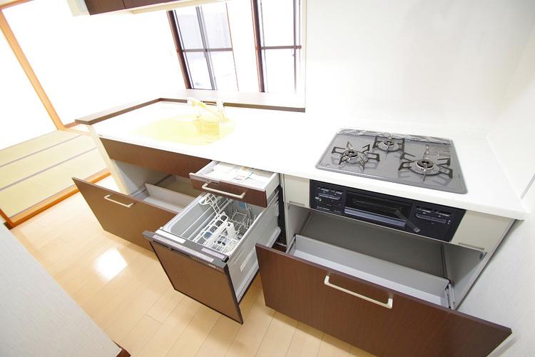 食洗機・たっぷり収納は便利ですね