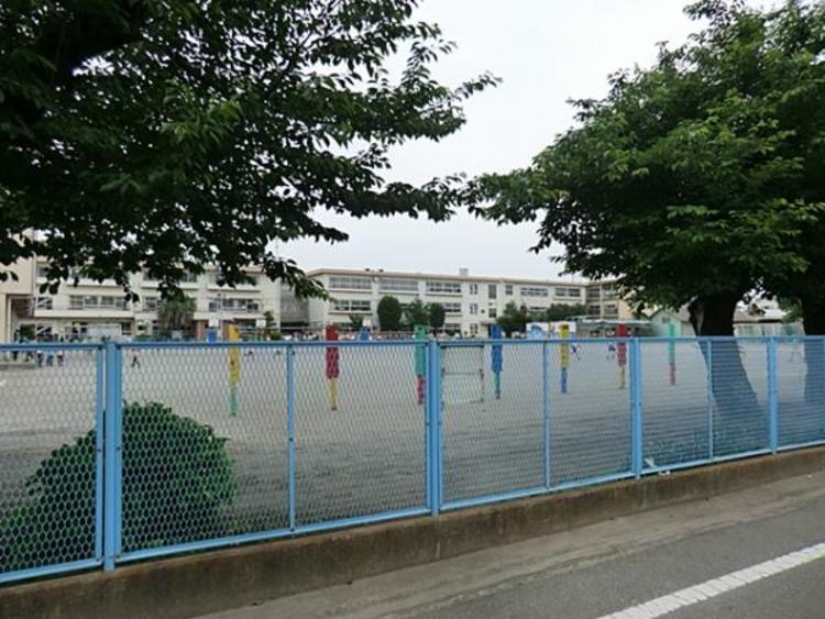 鴻巣市立鴻巣南小学校900m