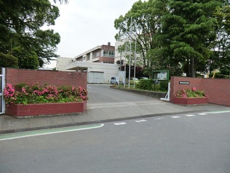 鴻巣市立鴻巣西中学校1540m