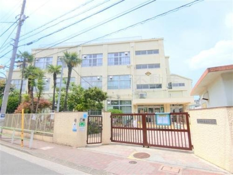 大田区立相生小学校まで560m。体罰ゼロ宣言。