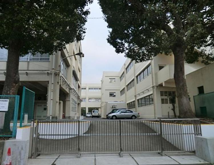 横浜市立永谷小学校 約700m
