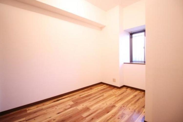 4.5帖のお部屋。ベッドも置けます。