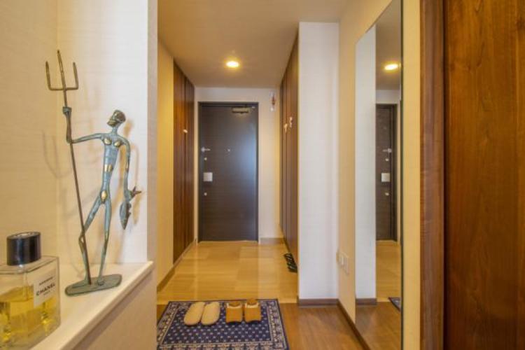 おしゃれな風合いの玄関。優しい設計