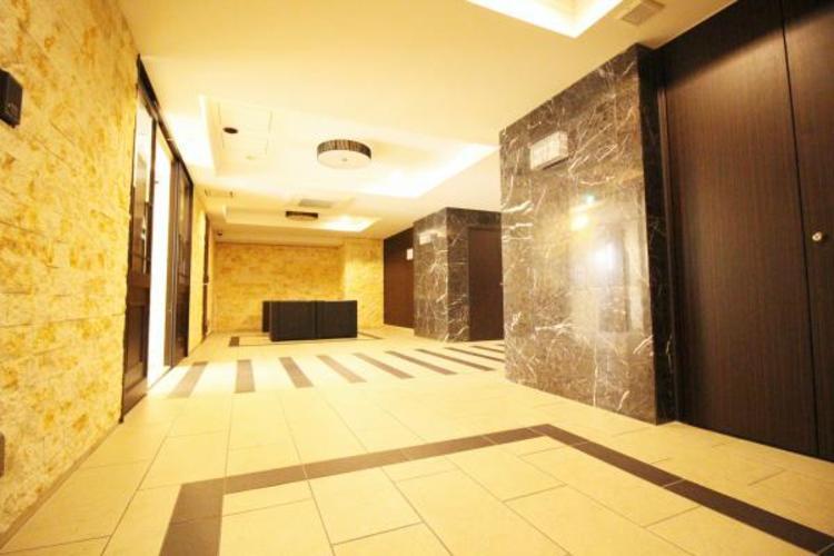 *い天井や、石造りの壁はワンランク上の空間を演出してくれます