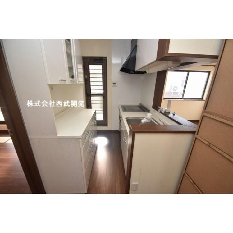 2階 カップボードのあるキッチン