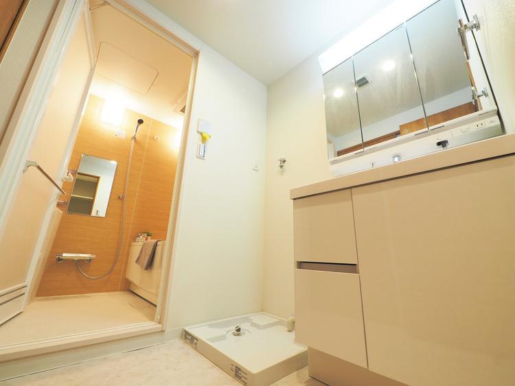 室内洗濯機置き場完備しています