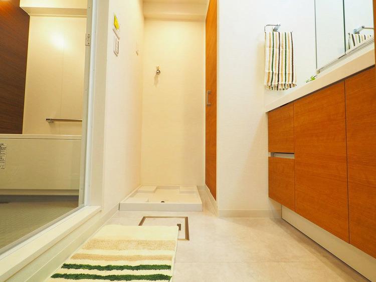 室内に洗濯機置き場完備