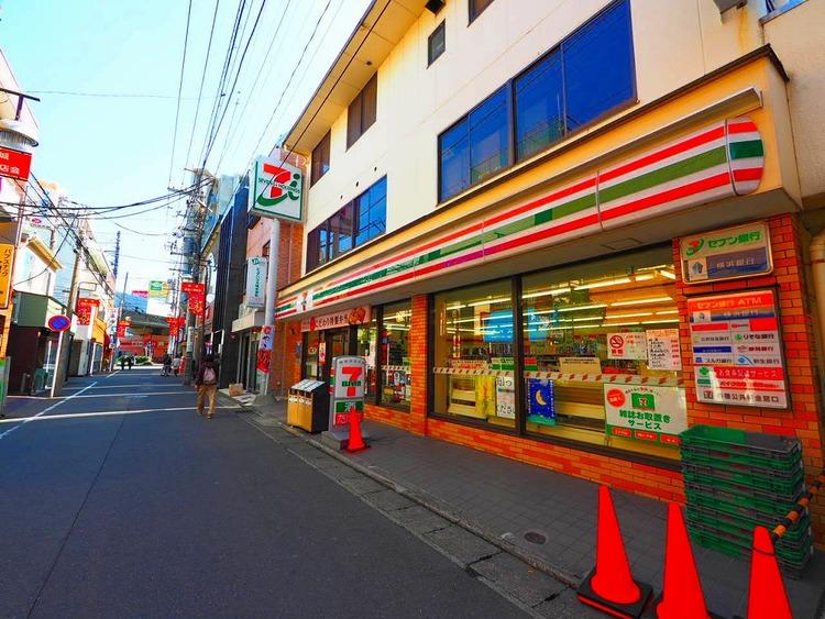 セブンイレブン 川崎新城店 距離240m