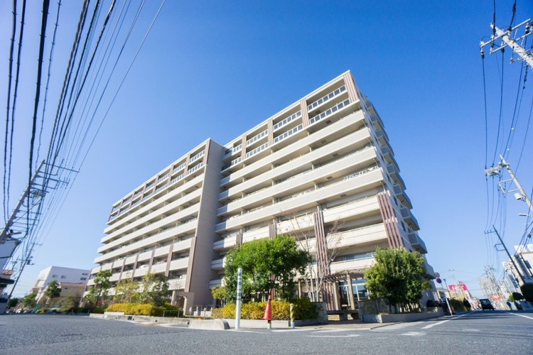 <2線2駅利用可能>JR北戸田駅から徒歩16分、武蔵浦和駅から徒歩20分。池袋駅へ直通18分、新宿駅直通24分。東京駅へは26分のアクセスが可能です。