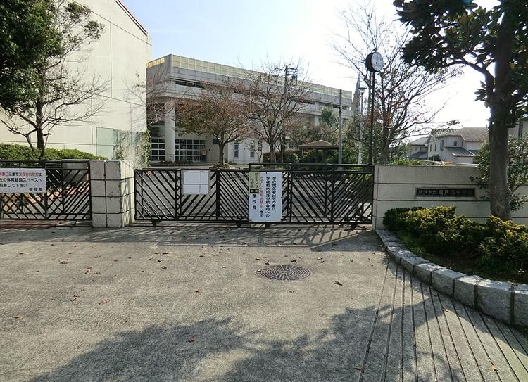 横浜市立南戸塚中学校まで729m