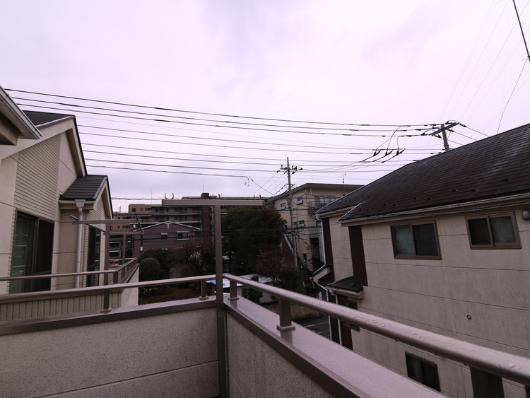 南側がやや開けている様子がわかります。風通りもよく気持ちがいいですよ。