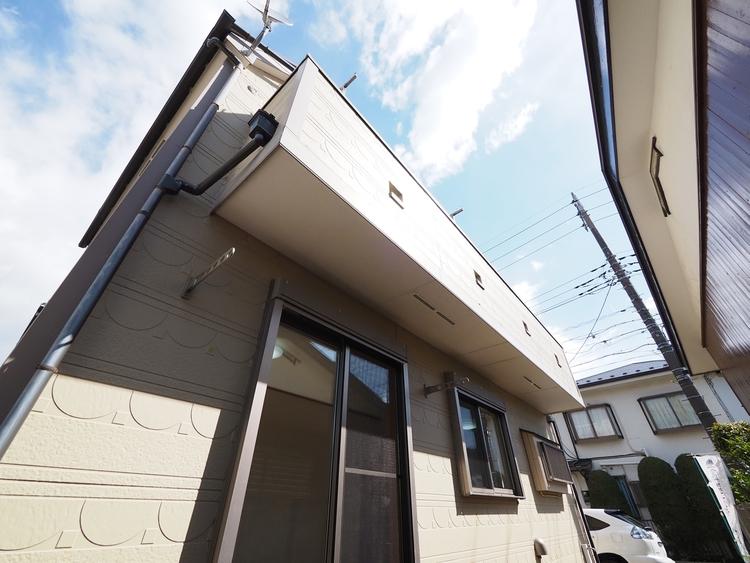 中古は新築に比べて価格が安いのが大きな魅力。価格が安ければそれだけ住宅ローンの負担を軽くすることができる。