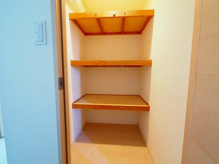 納戸は、物置などにも使えるマルチスペース