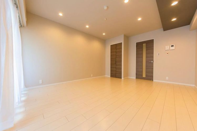 「洋室」約12.3帖 広々とした居室スペース