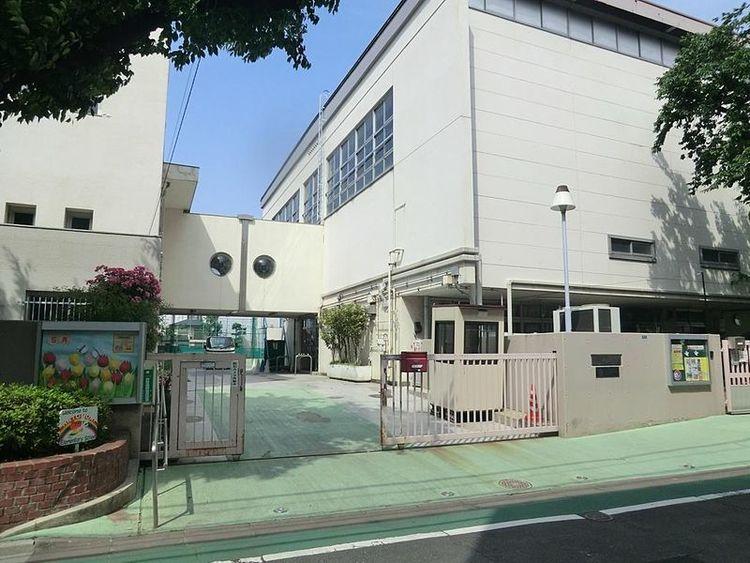 渋谷区立鳩森小学校 徒歩5分 450m