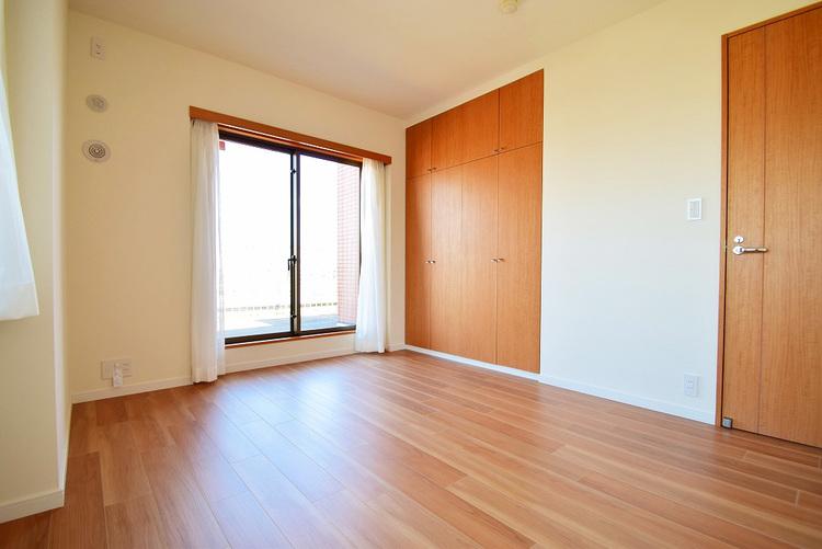 7.2帖 洋室 大型のクローゼット完備で主寝室にピッタリです