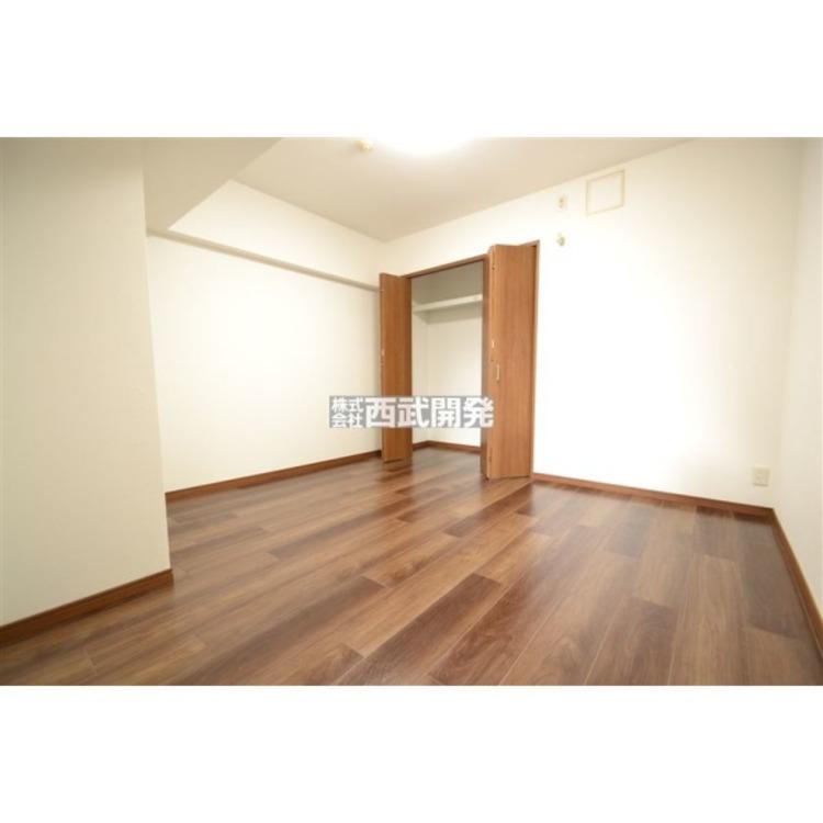 大きな収納があるので家具を減らしてお部屋をスッキリと使えます。