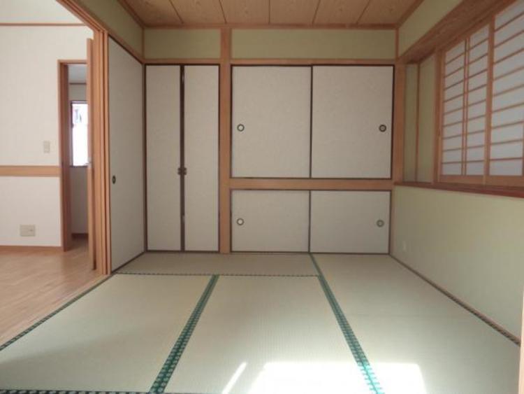 ●癒し空間の和室には来客用のお布団もスッキリしまえる押入れがあります!