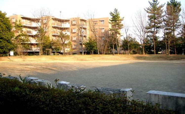 豊ケ丘第8公園  176m