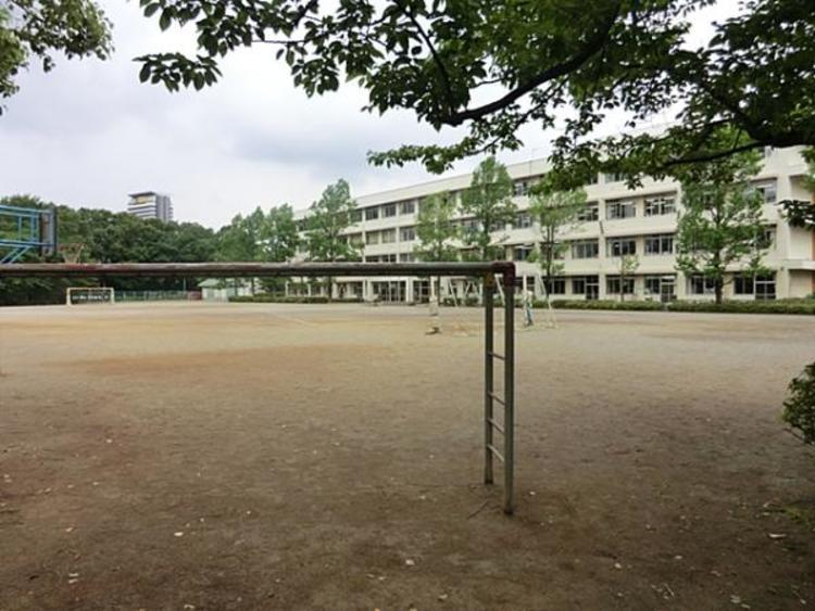 豊ヶ丘小学校 2850m